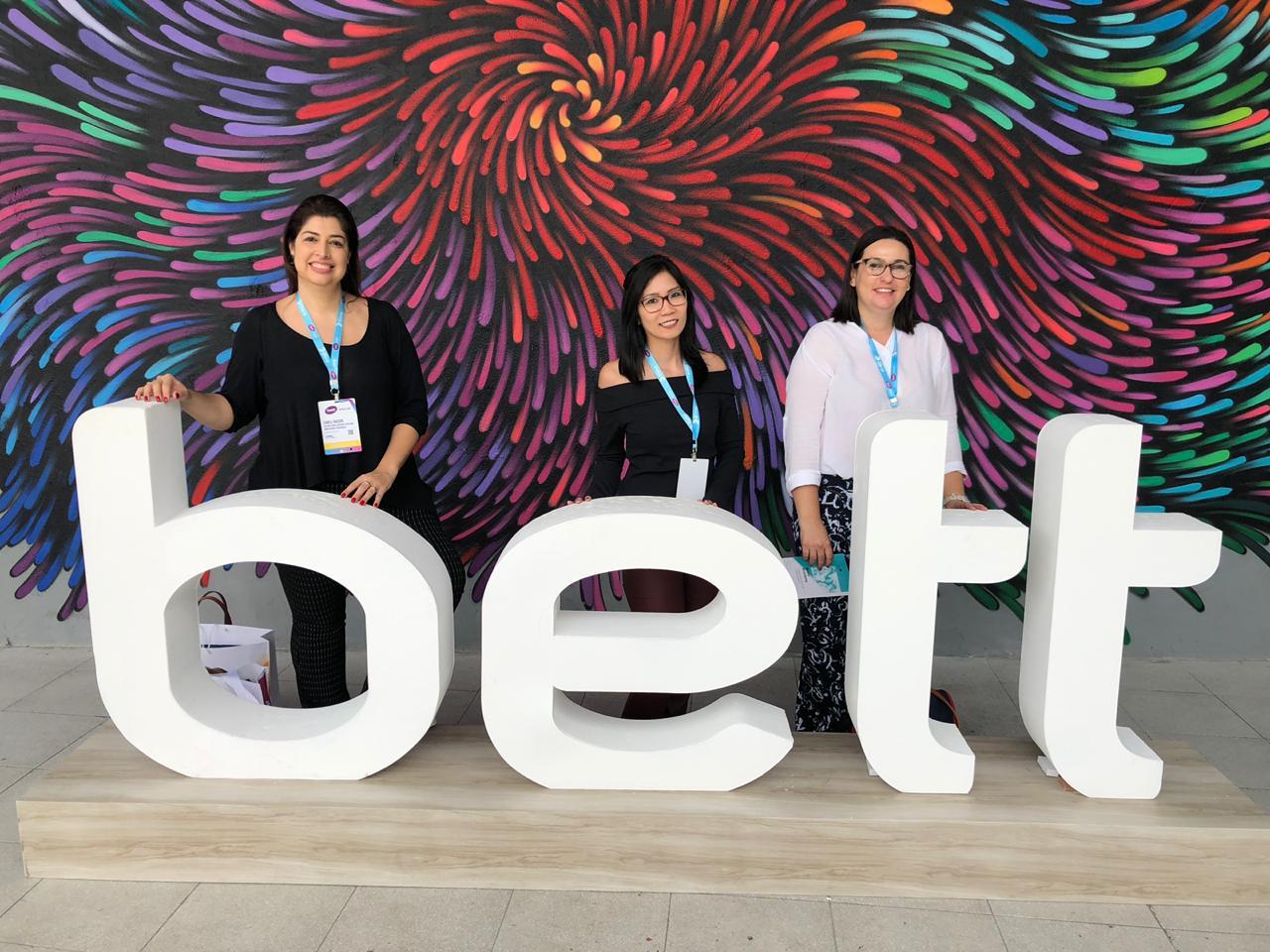 Equipe pedagógica marca presença na Bett Educar