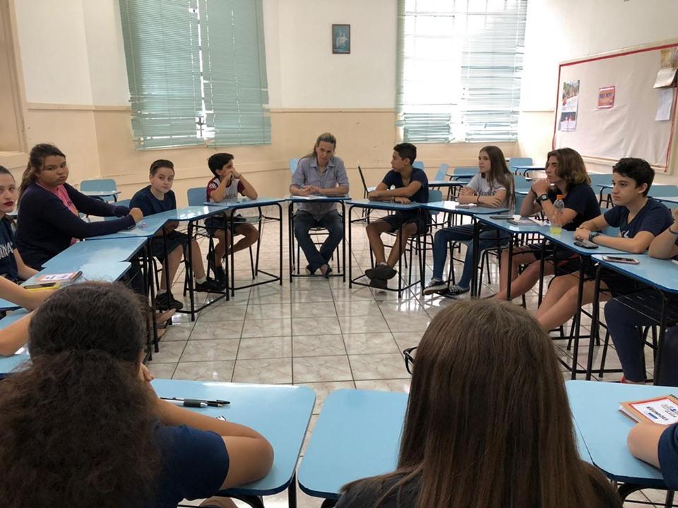 Representantes de sala participam de reunião trimestral